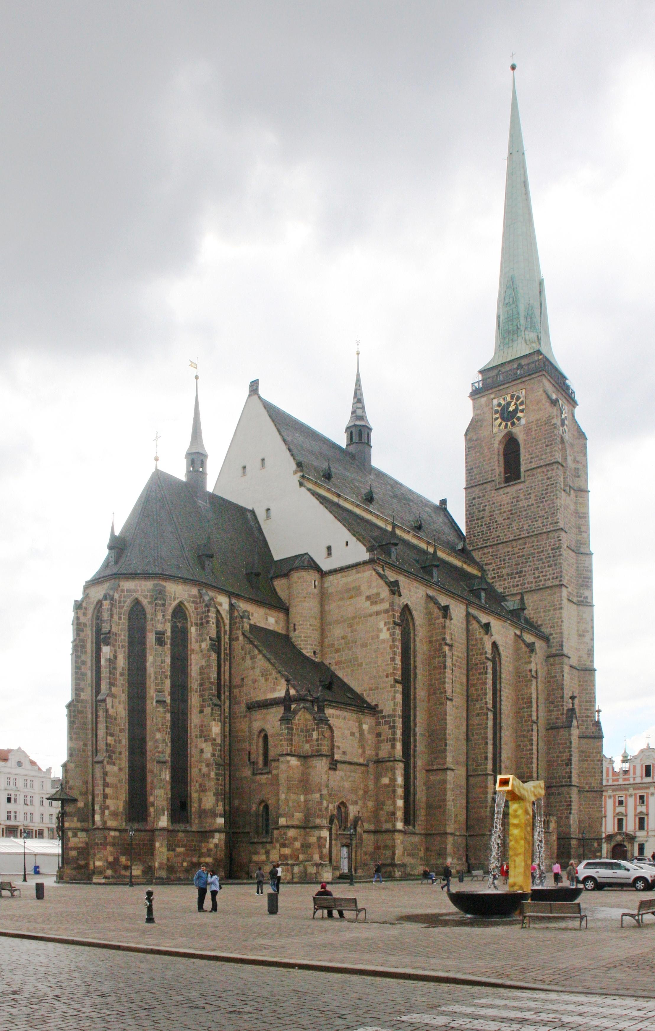 Αποτέλεσμα εικόνας για Cathedral of St. Bartholomew (Dom St. Bartholomaus)