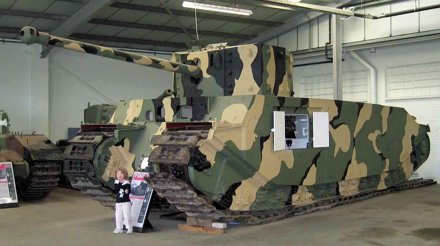 http://upload.wikimedia.org/wikipedia/commons/6/64/TOG2_Tank_Bovington.jpg