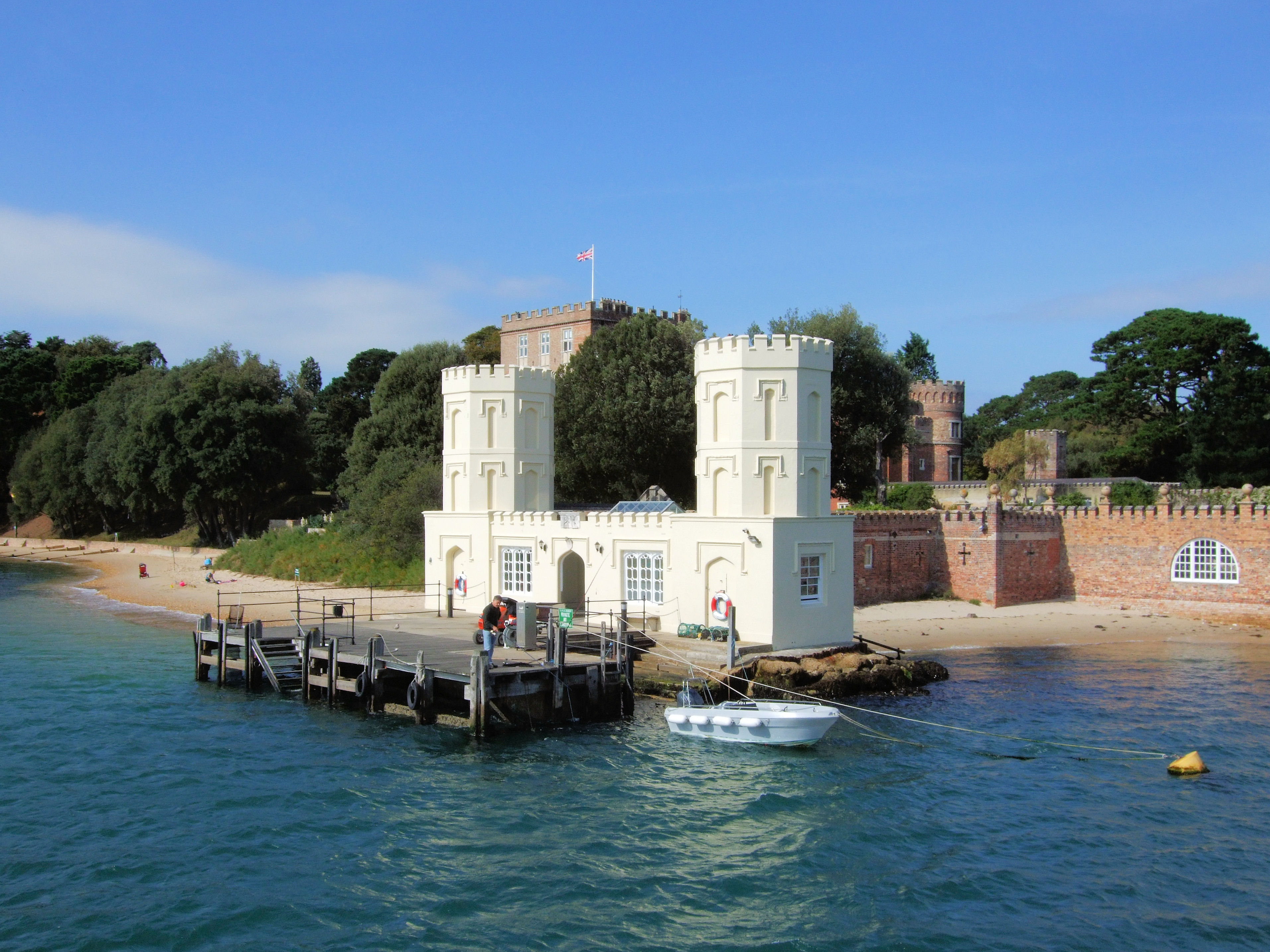 File:The Pier, Brownsea Island, Poole, Dorset.jpg ...