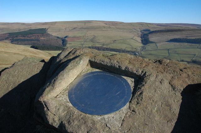 Toposcope on Shutlingsloe - geograph.org.uk - 696802