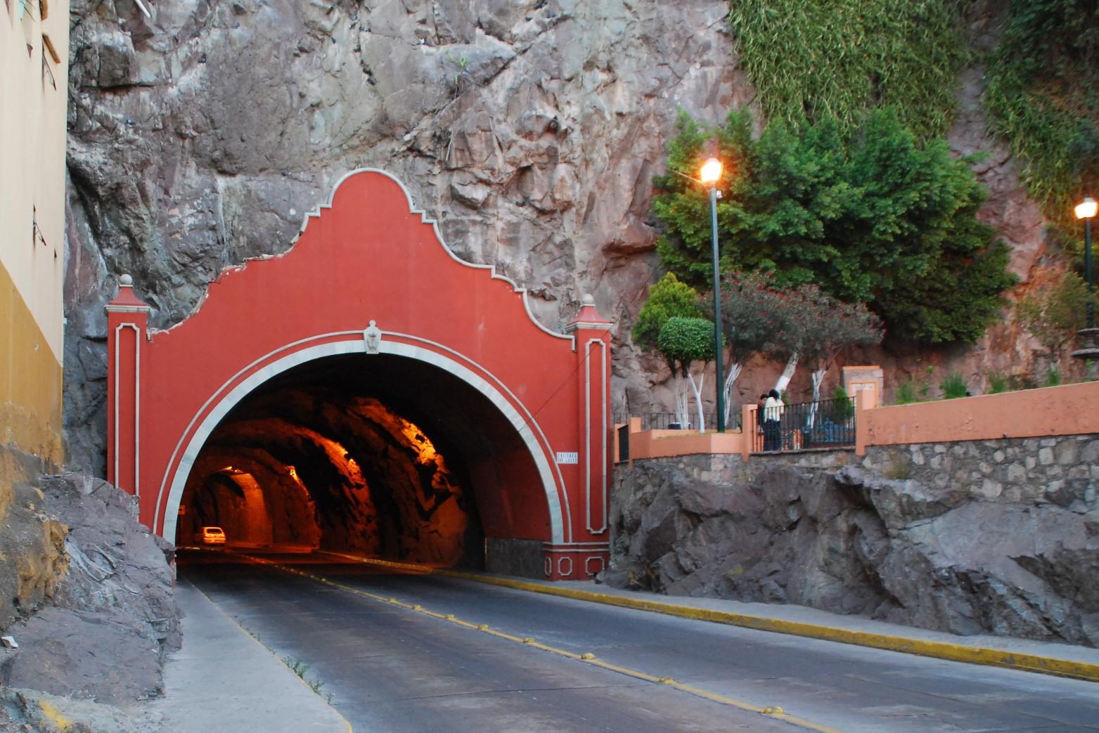 Tunnel - Wikipedia  Tunnel - Wikipe...