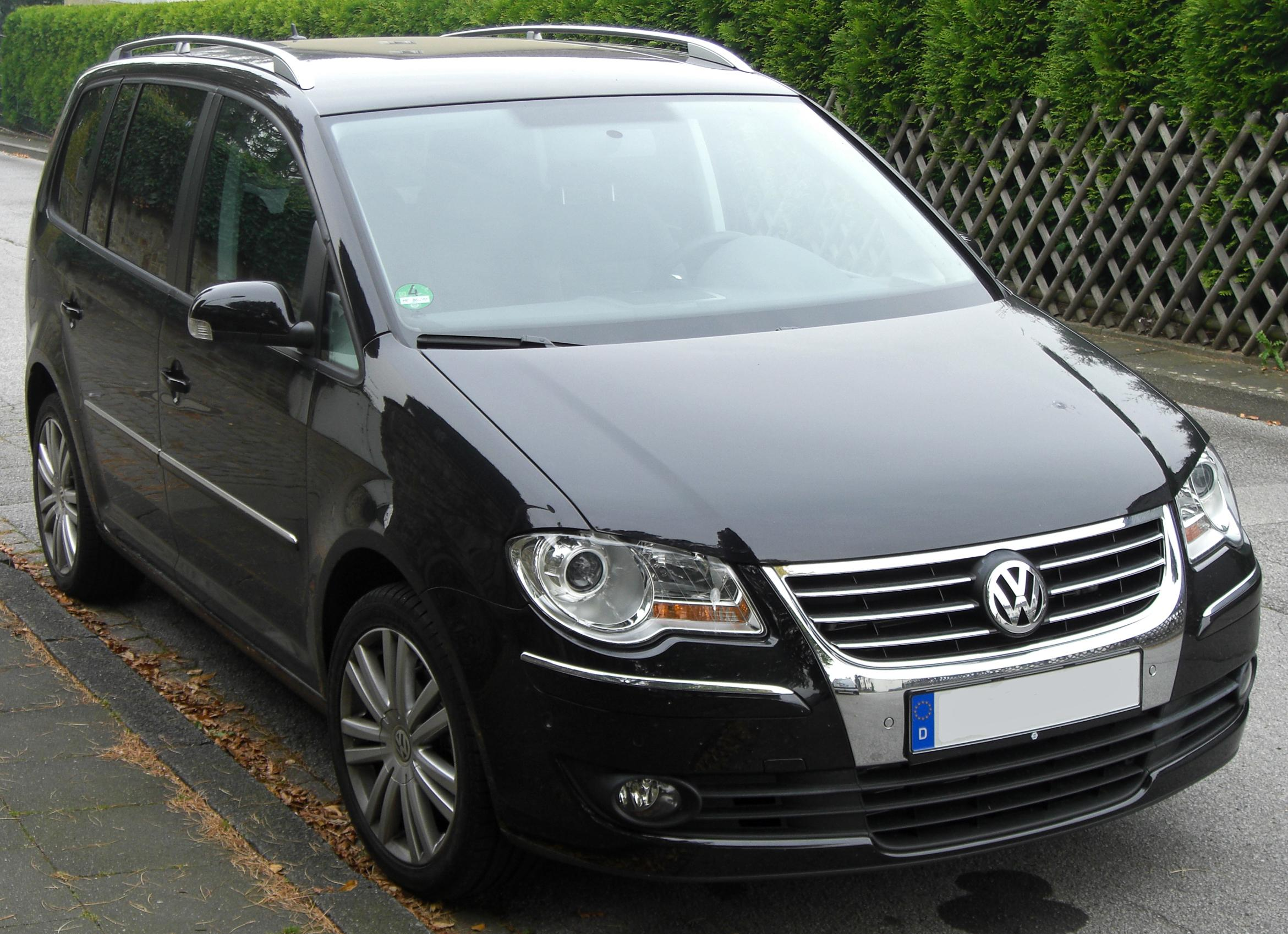 volkswagen touran. Black Bedroom Furniture Sets. Home Design Ideas
