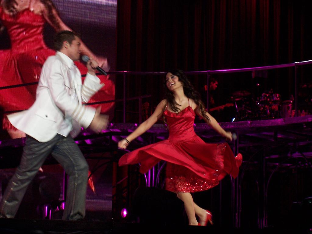 File:Vanessa Hudgens and Drew Seeley 2.jpg - Wikimedia Commons