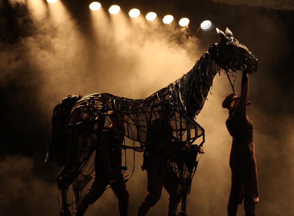 FileWar Horse (8570054371).jpg & File:War Horse (8570054371).jpg - Wikimedia Commons