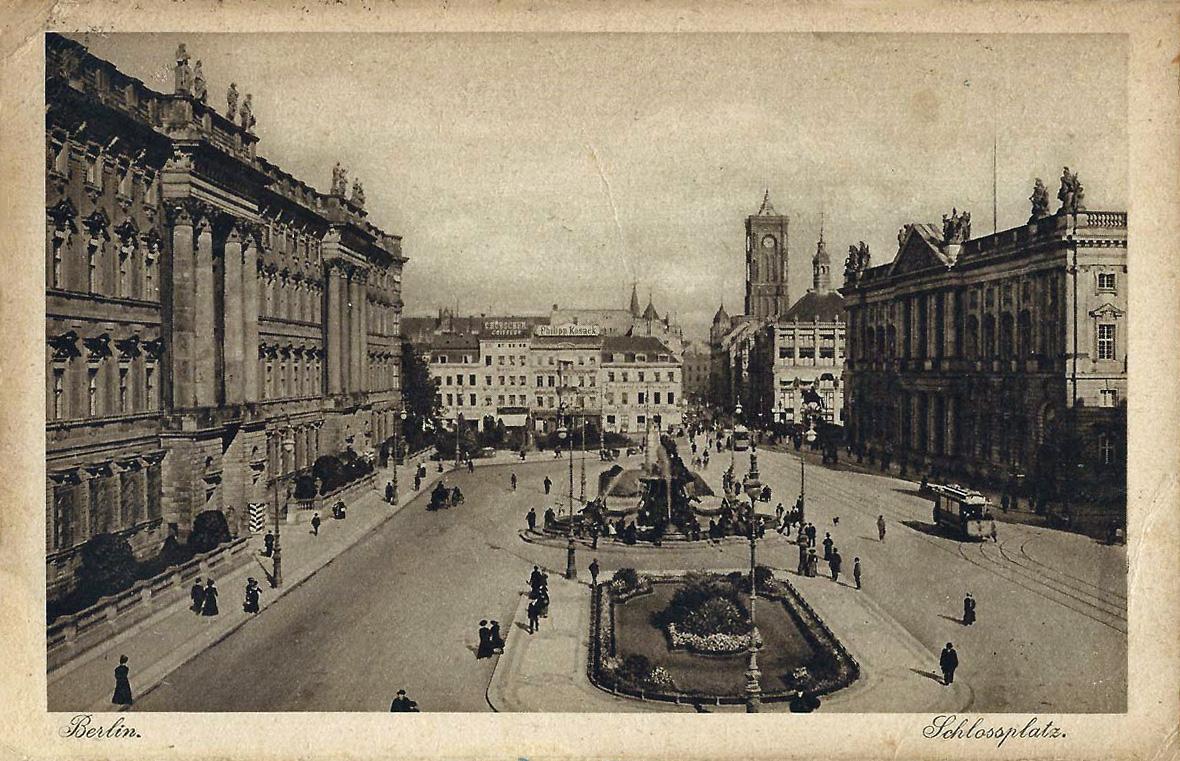 19220811_berlin_schlossplatz.jpg