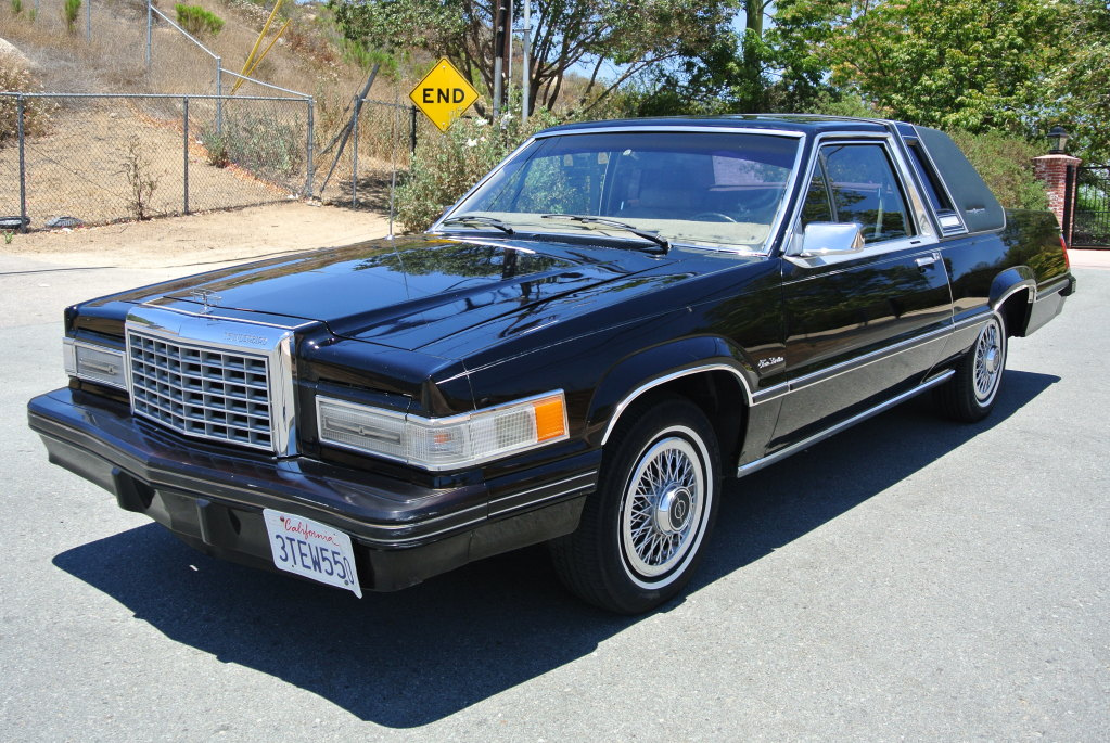 File 1982 Ford Thunderbird Jpg Wikimedia Commons
