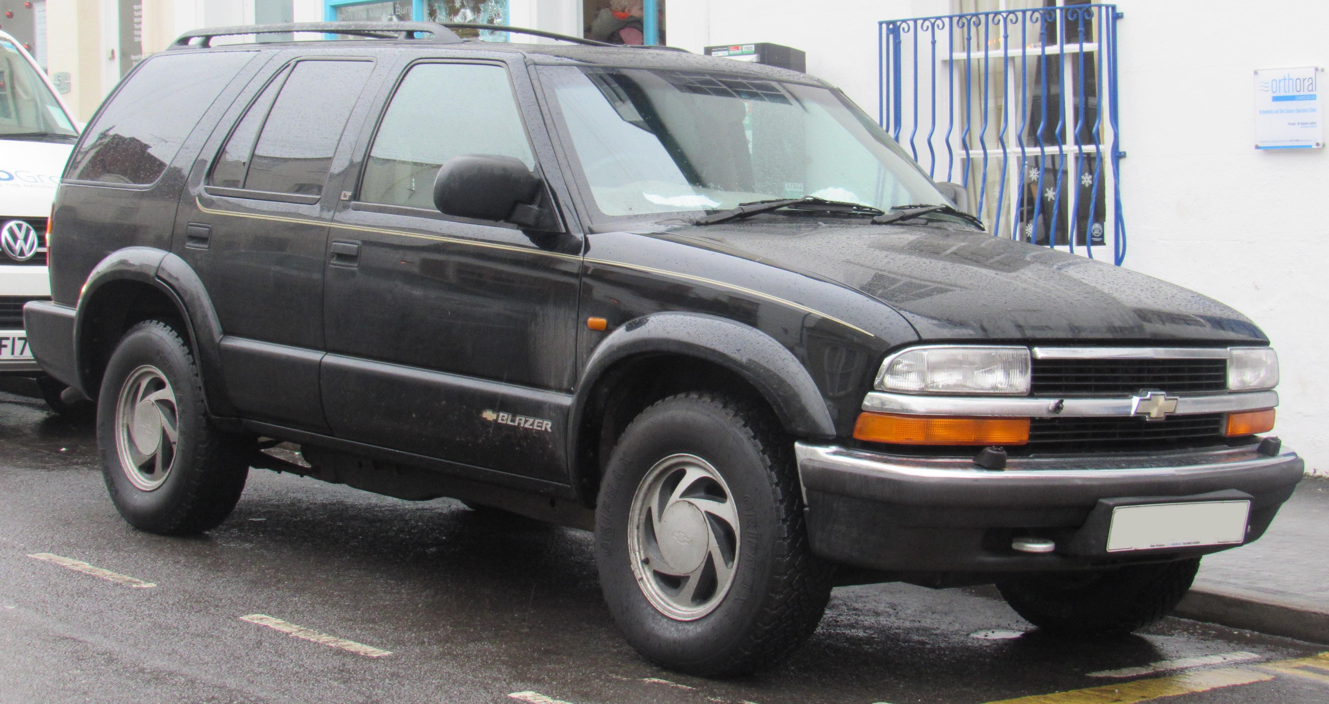 File 1999 Chevrolet S 10 Blazer V6 Automatic 4 3 Front Jpg Wikimedia Commons