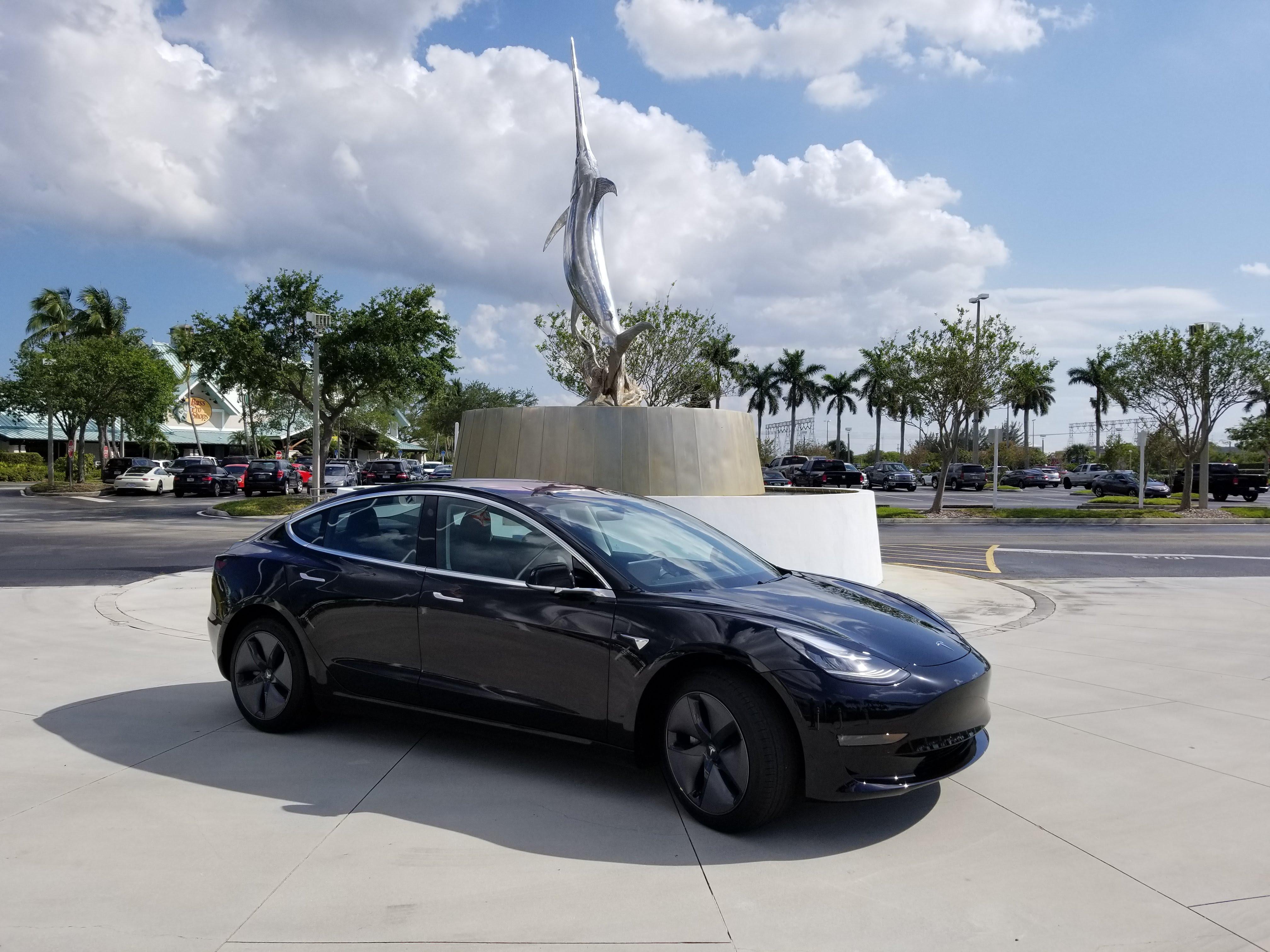 File 2018 Tesla Model 3 Jpg Wikimedia Commons