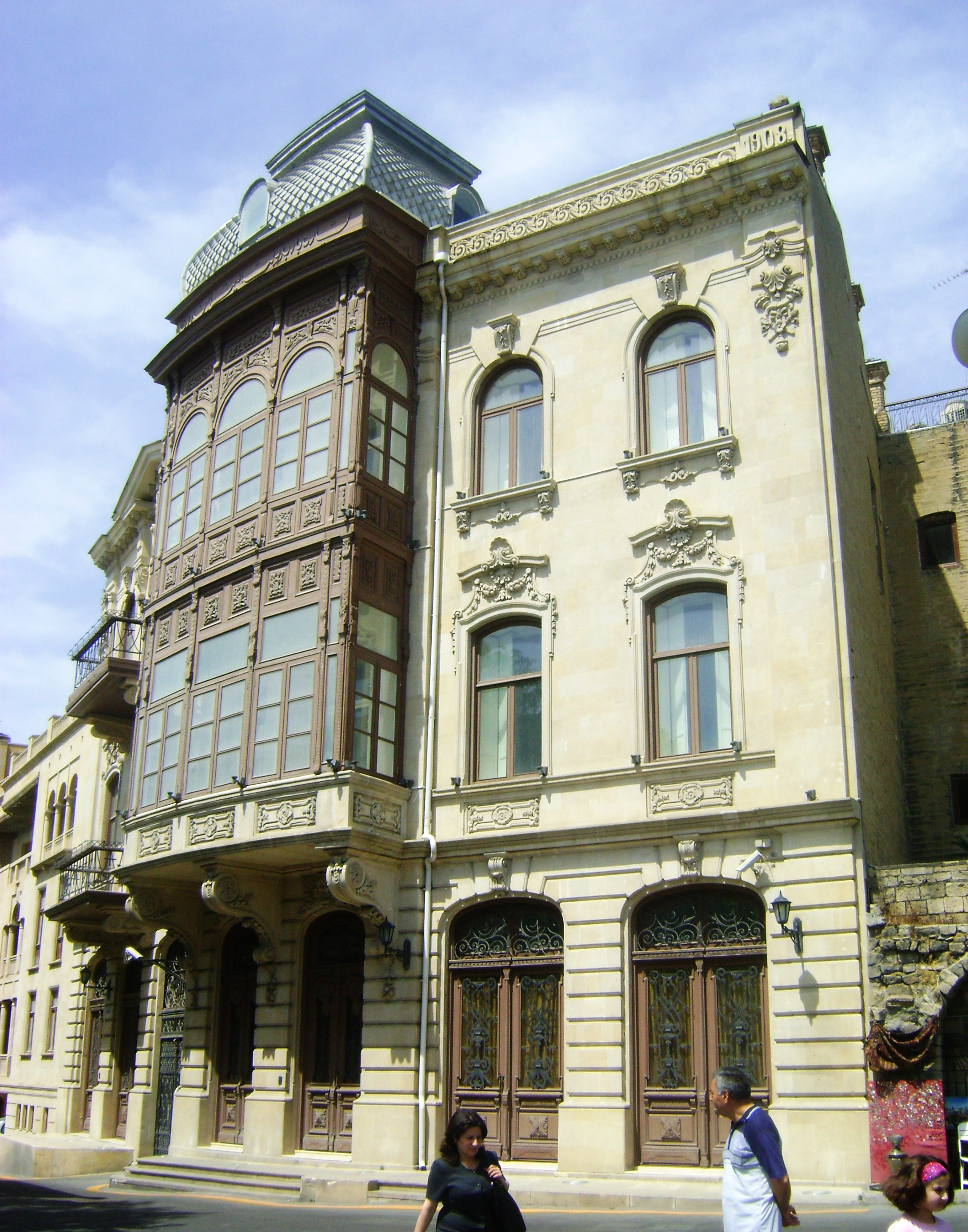 File a house of azeri millinaire mamedoff in old city for House of classic