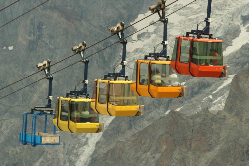 Aerial_tramway_La_Grave_France.jpg