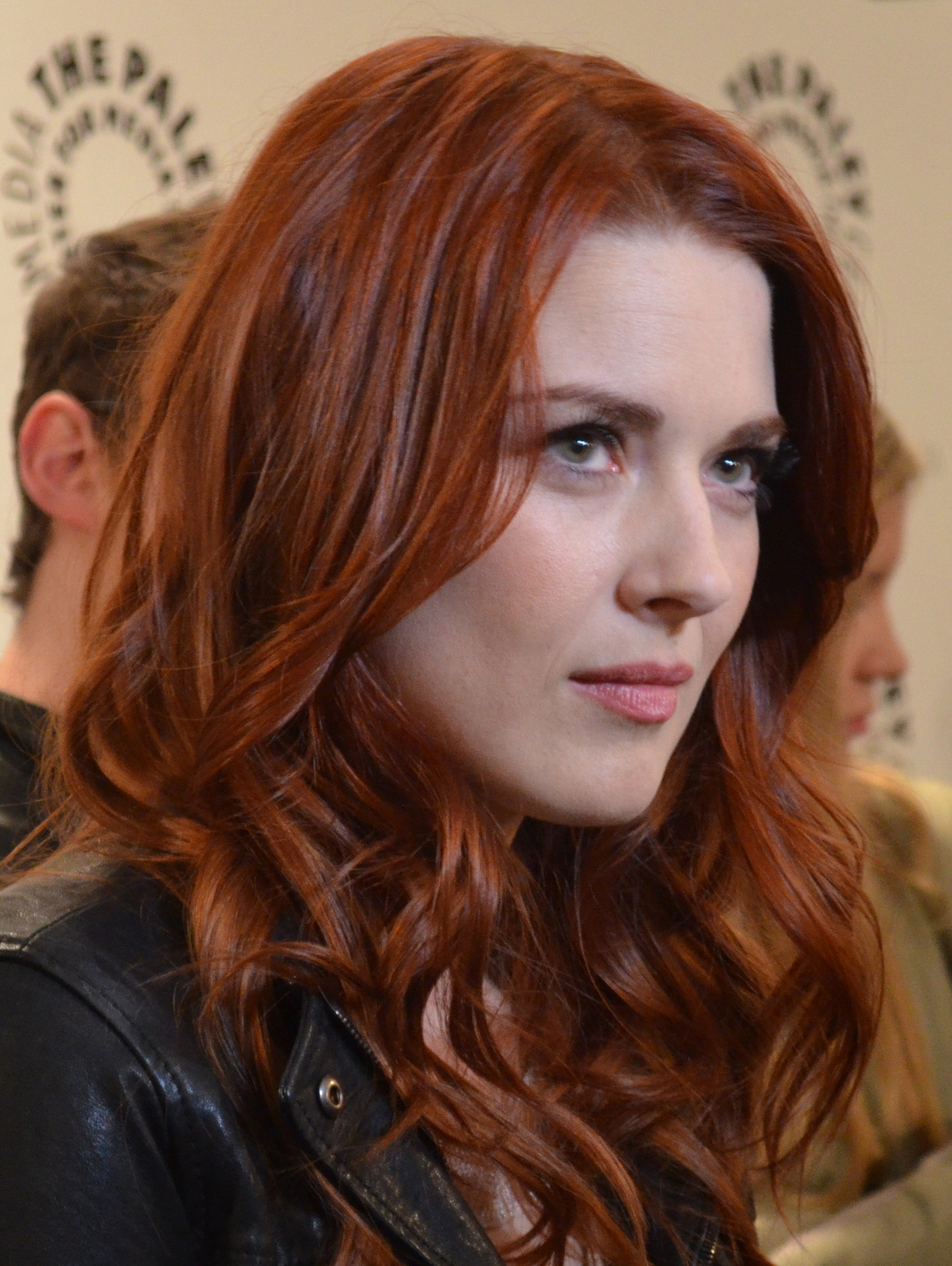 The 38-year old daughter of father (?) and mother(?) Alexandra Breckenridge in 2020 photo. Alexandra Breckenridge earned a million dollar salary - leaving the net worth at 2 million in 2020