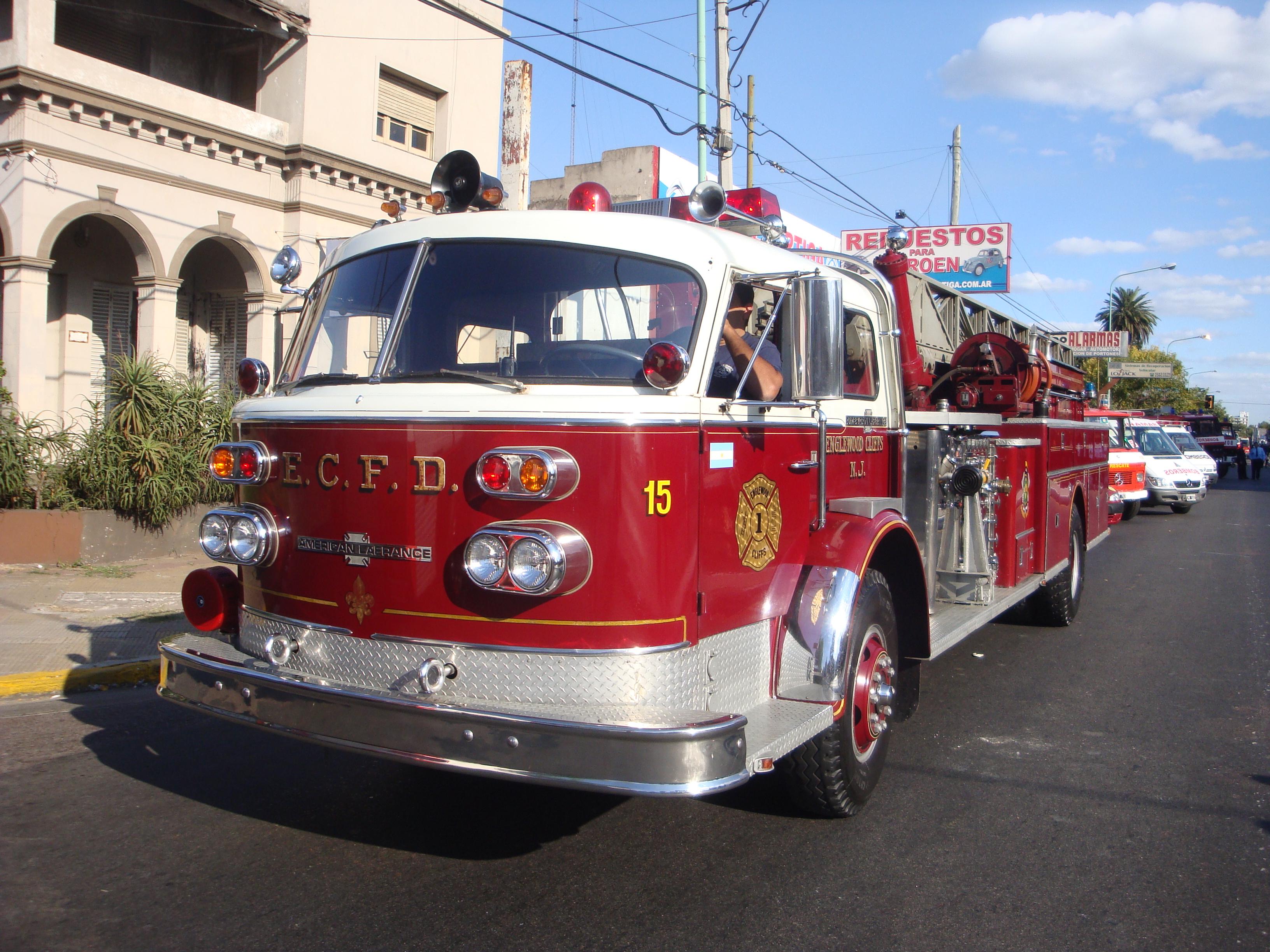 Archivo:Antiguo camión de bomberos.jpg - Wikipedia, la enciclopedia ...