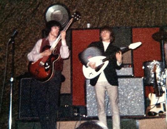 The Rolling Stones - No Stone Unturned / Metamorphosis