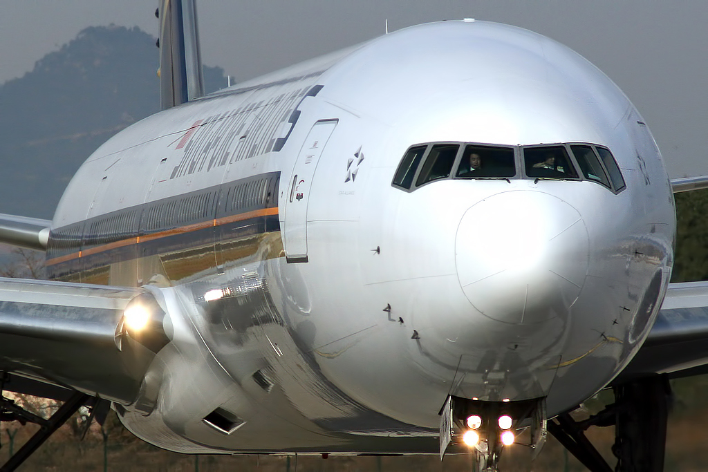 Fileboeing   Singapore Airlines V Swn  Jpg
