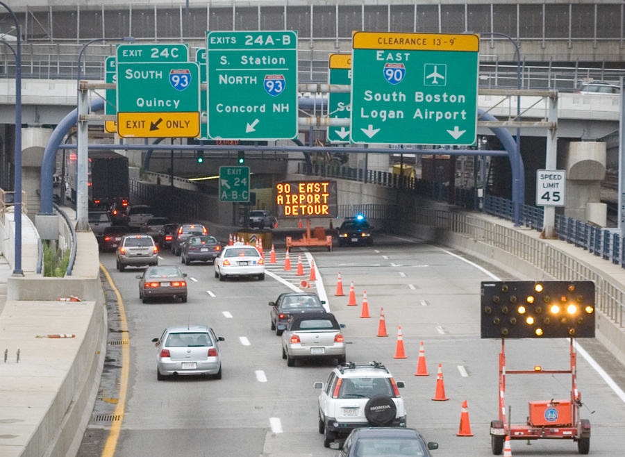 Boston_traffic_re-routed_Ted_Williams_tu