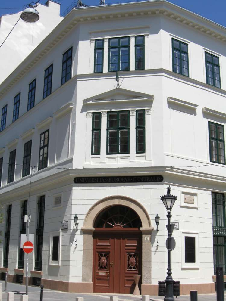 Közép-európai Egyetem – Wikipédia a9cc770009