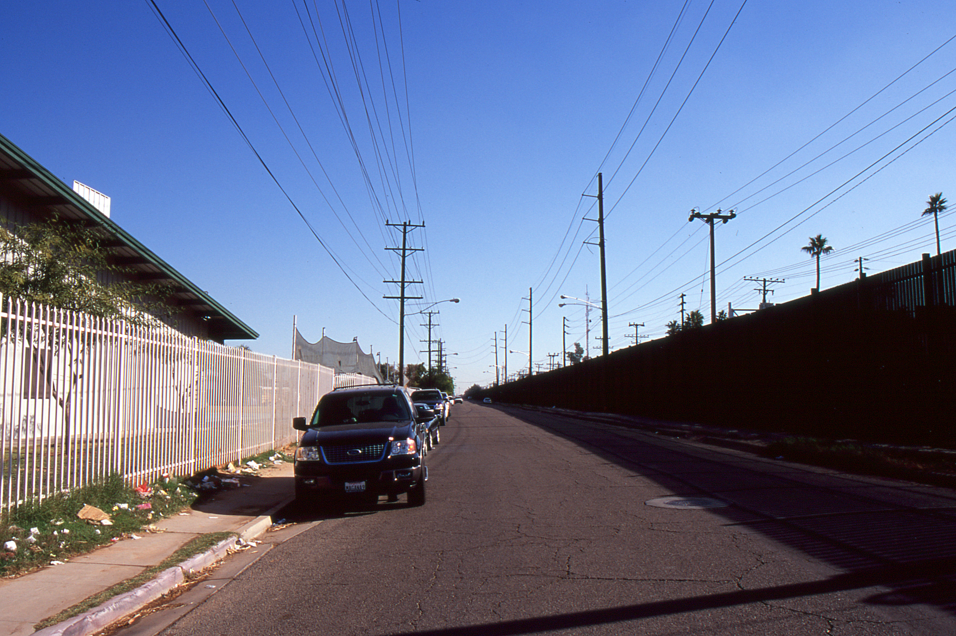 File:Calexico CA - 1st Street and border fence.jpg ...
