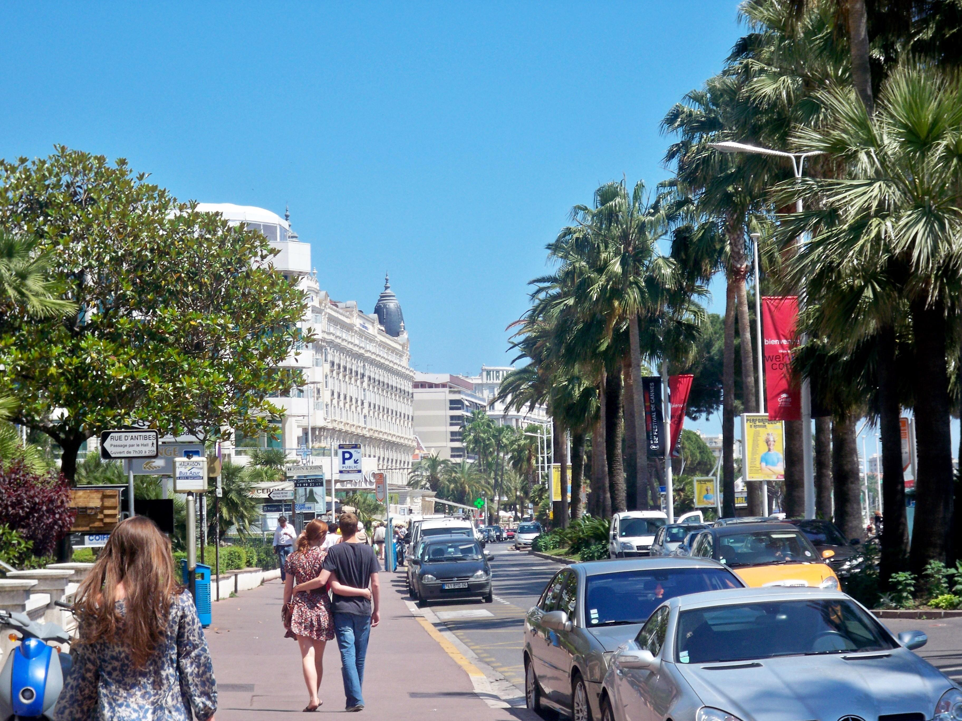 File:Cannes promenade.jpg - Wikimedia Commons