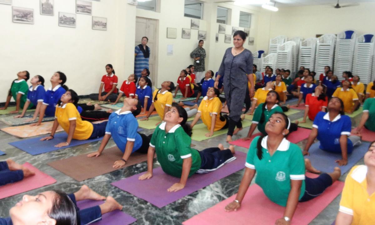 Yoga for children - Wikipedia