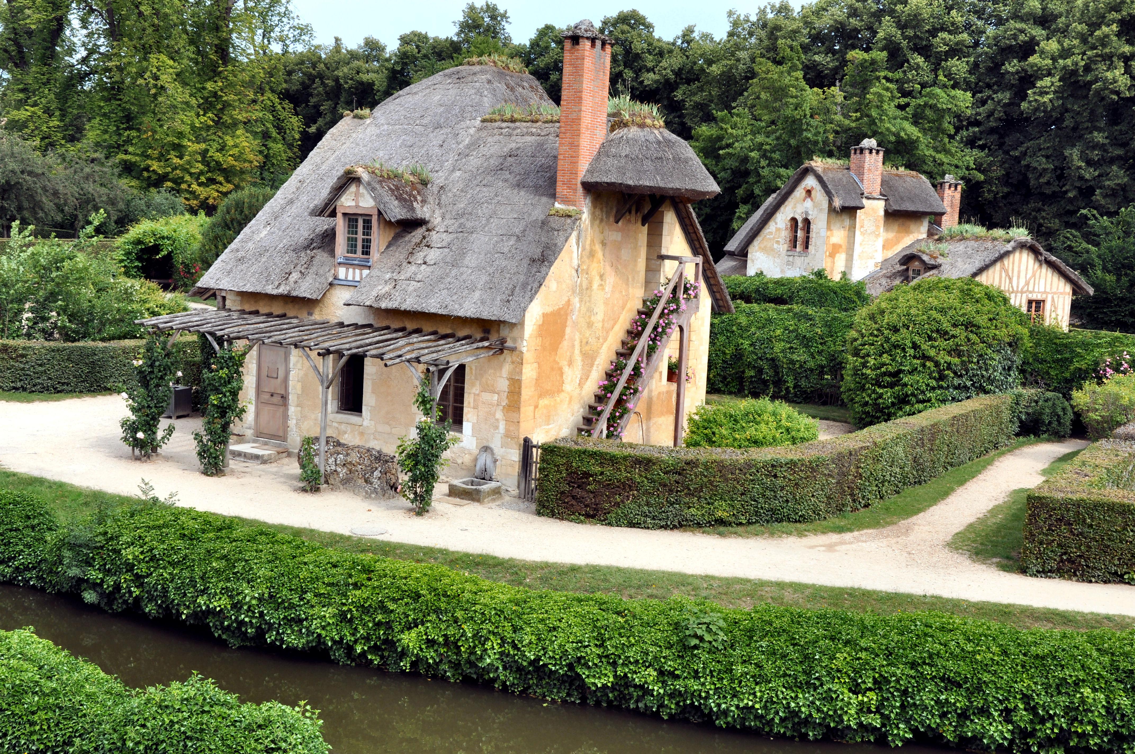 File colombier et maison du garde au hameau de la reine for 7 a la maison wikipedia