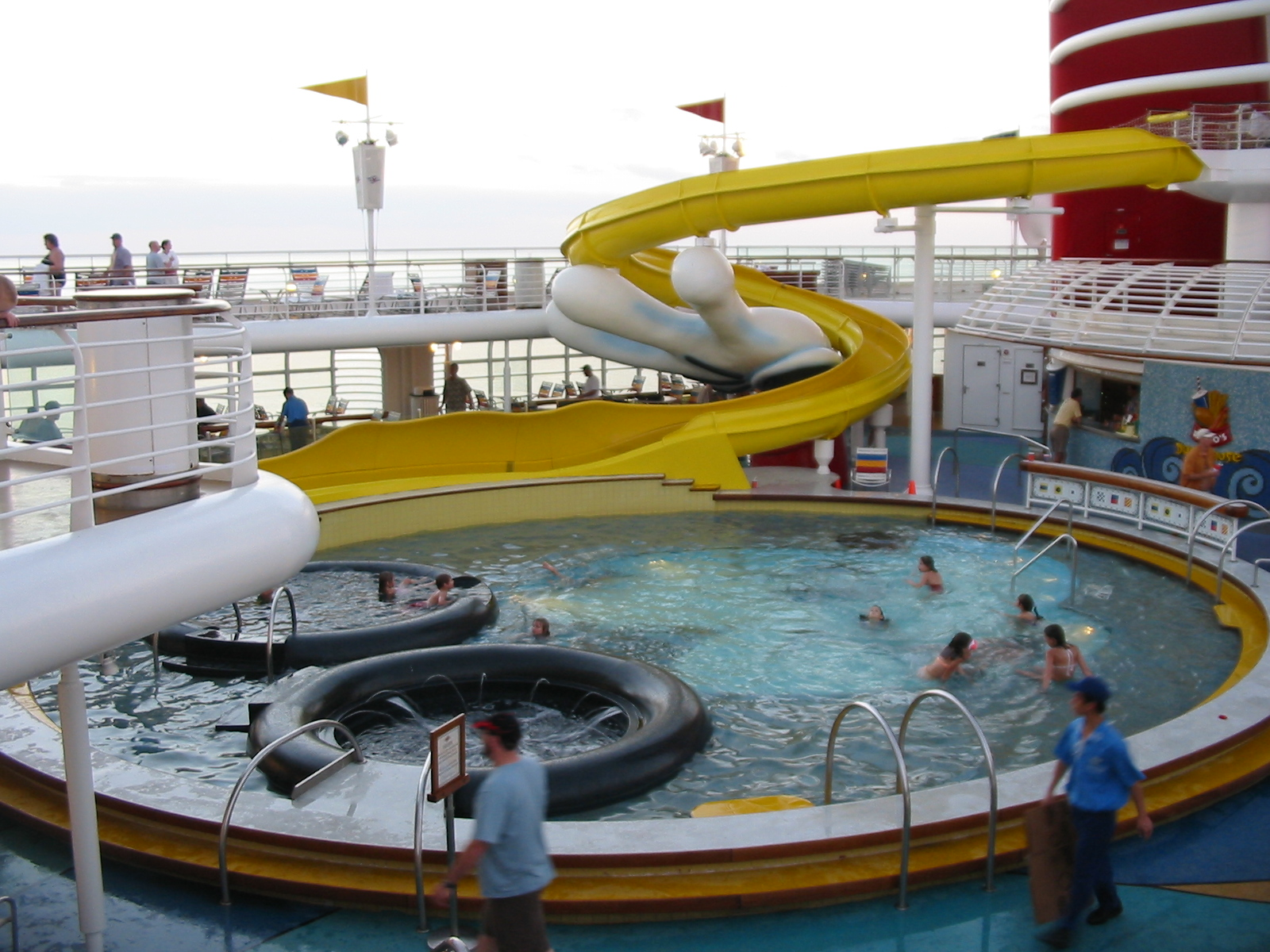 31 luxury cruise ship swimming pool for River cruise ships with swimming pool