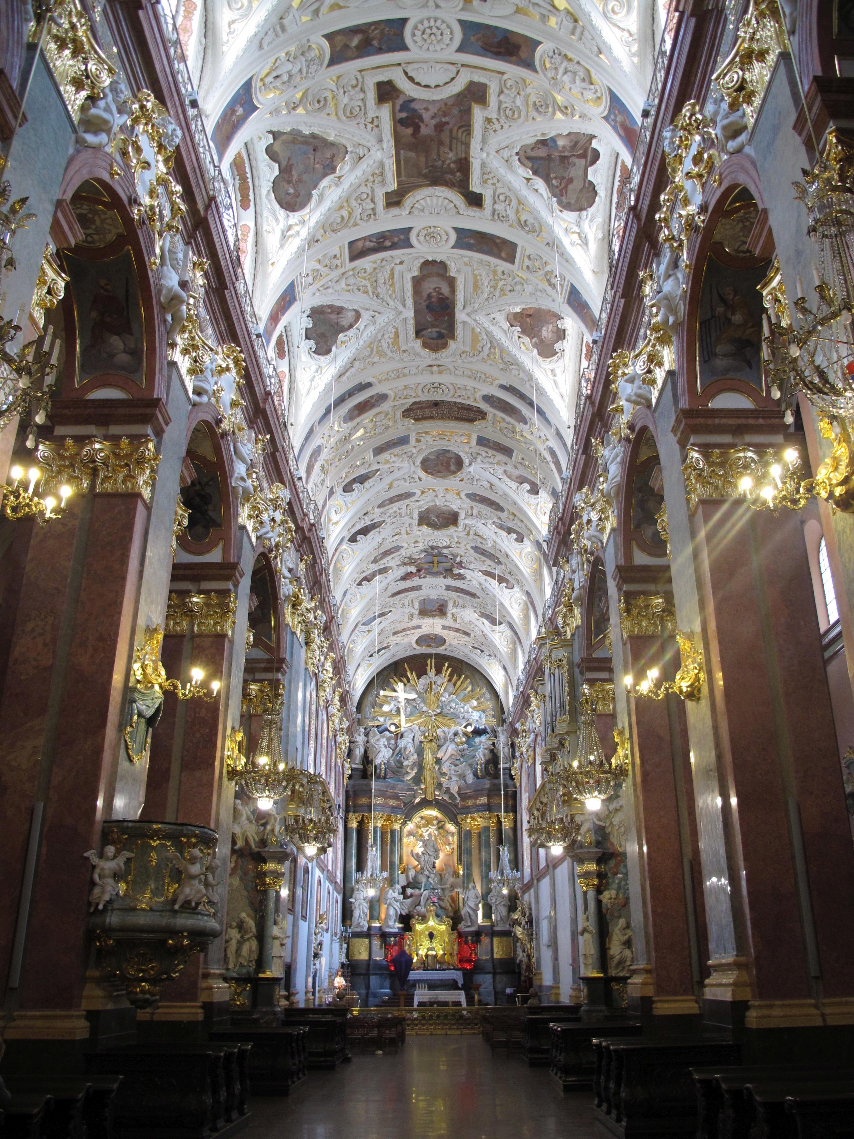 File:Czestochowa Jasna Gora bazylika 5.jpg - Wikimedia Commons