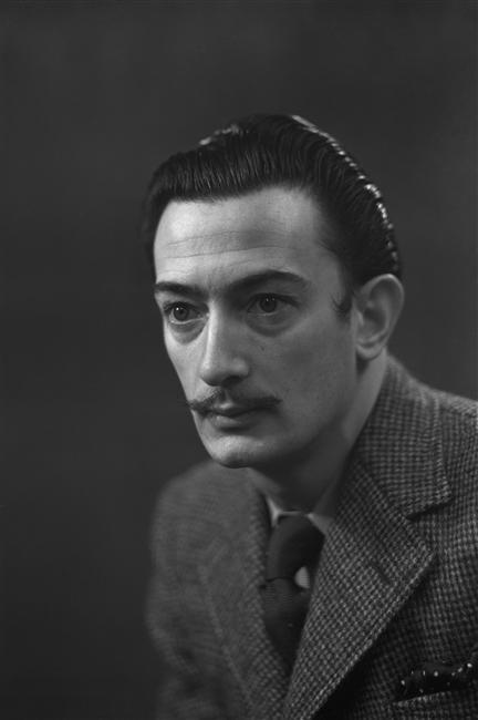 Студийное фото художника 1936