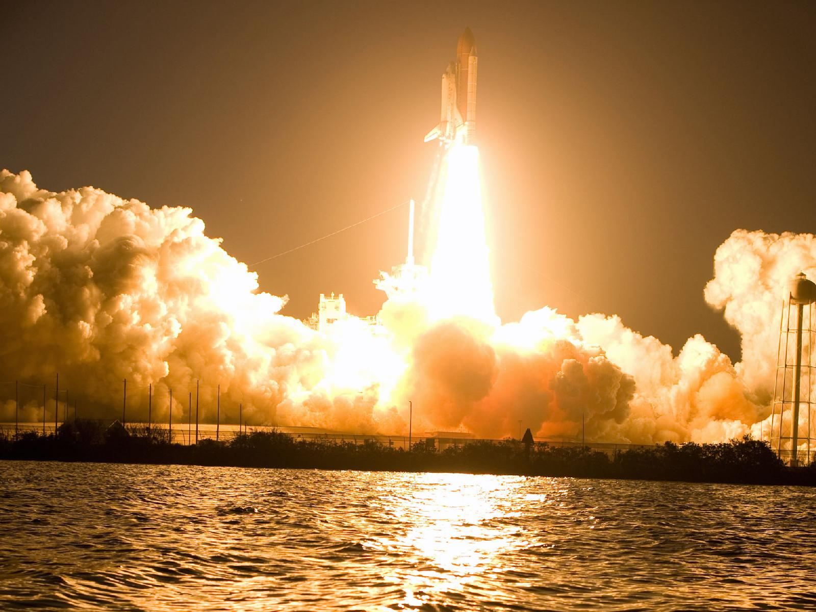 space shuttle discovery liftoff - photo #5