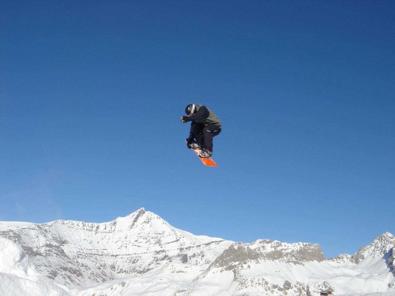Ski jump image from wikimedia
