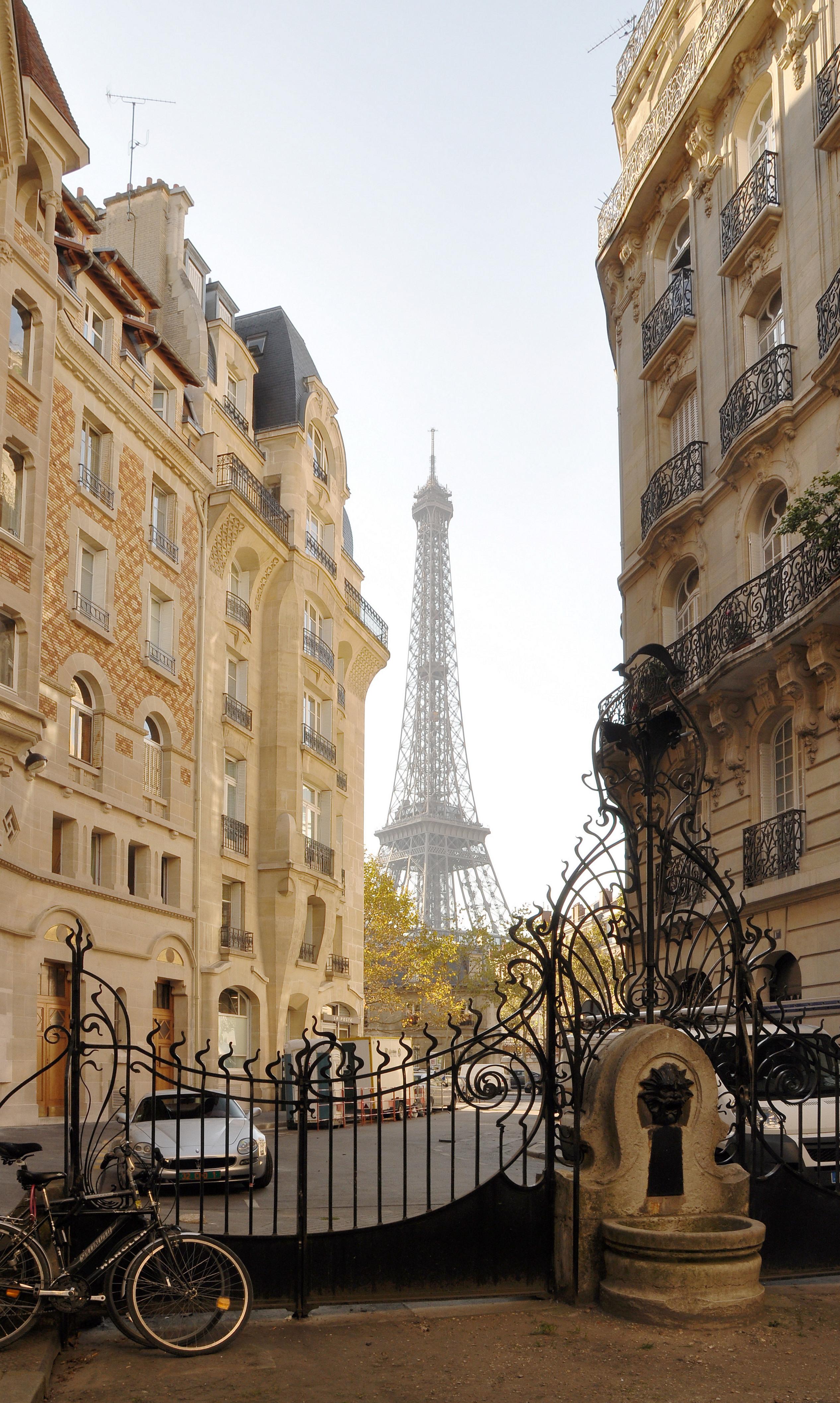Fichier:Fontaine du square Rapp Paris 7e 002.jpg — Wikipédia