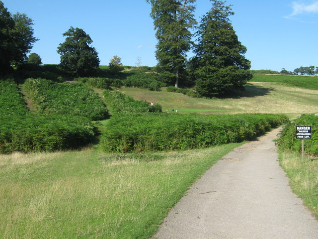 Footpath junction in Knole Park - geograph.org.uk - 1451424