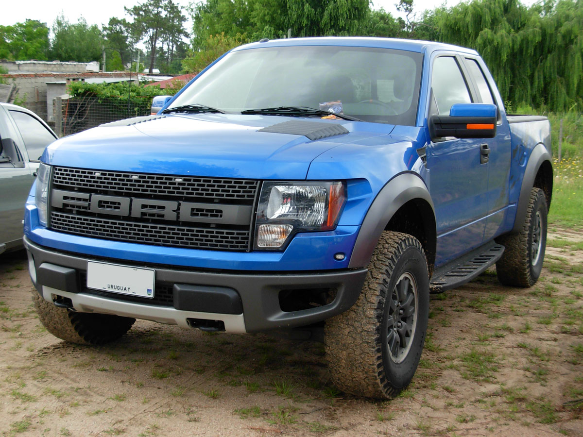 Description Ford F-150 Raptor SVT - blue front.jpg
