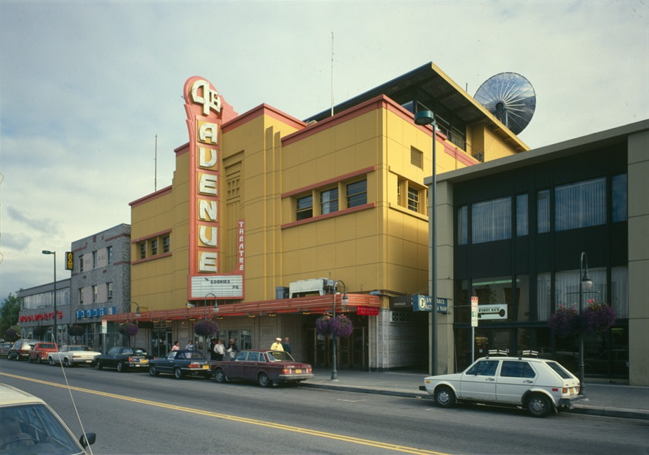 avenue teater www sexaben