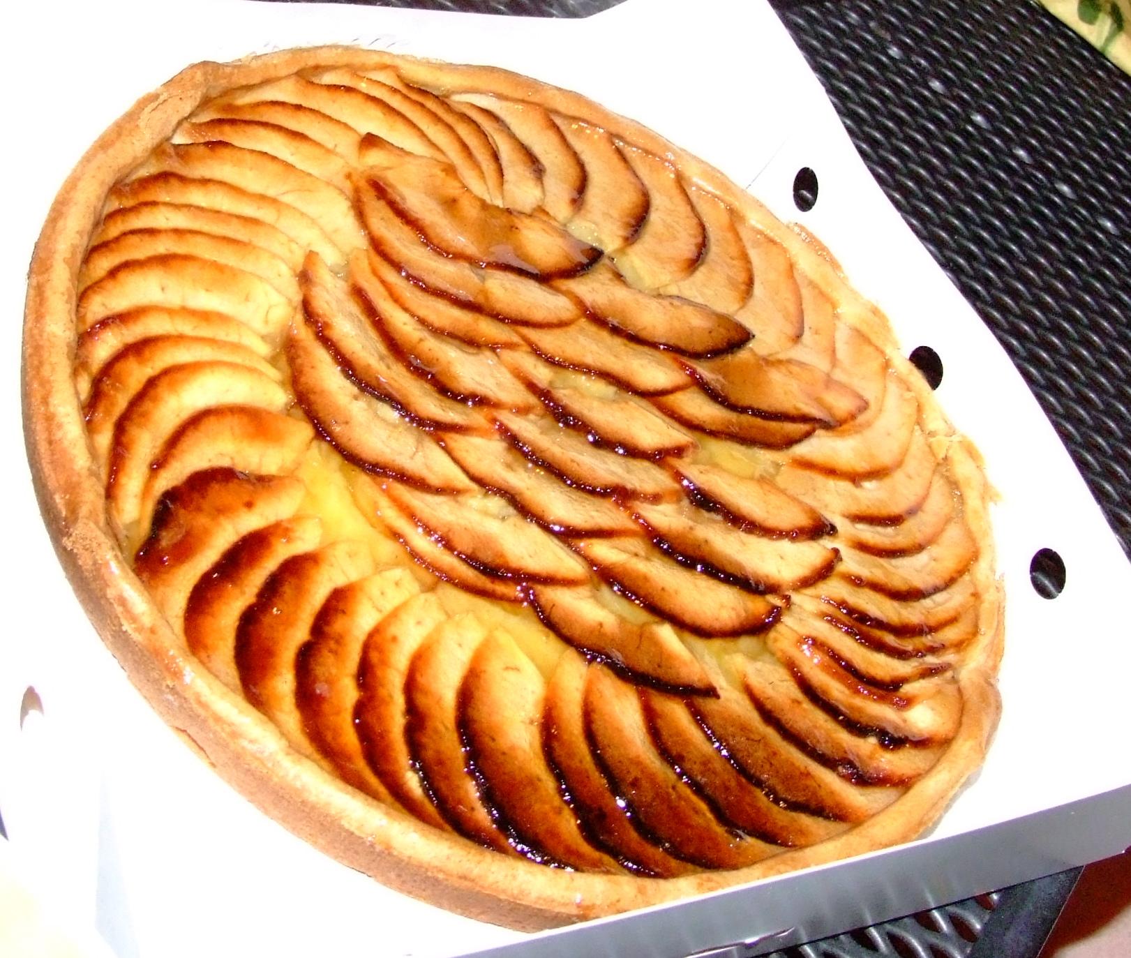 File:French apple tart by Gaeten Lee.jpg - Wikimedia Commons