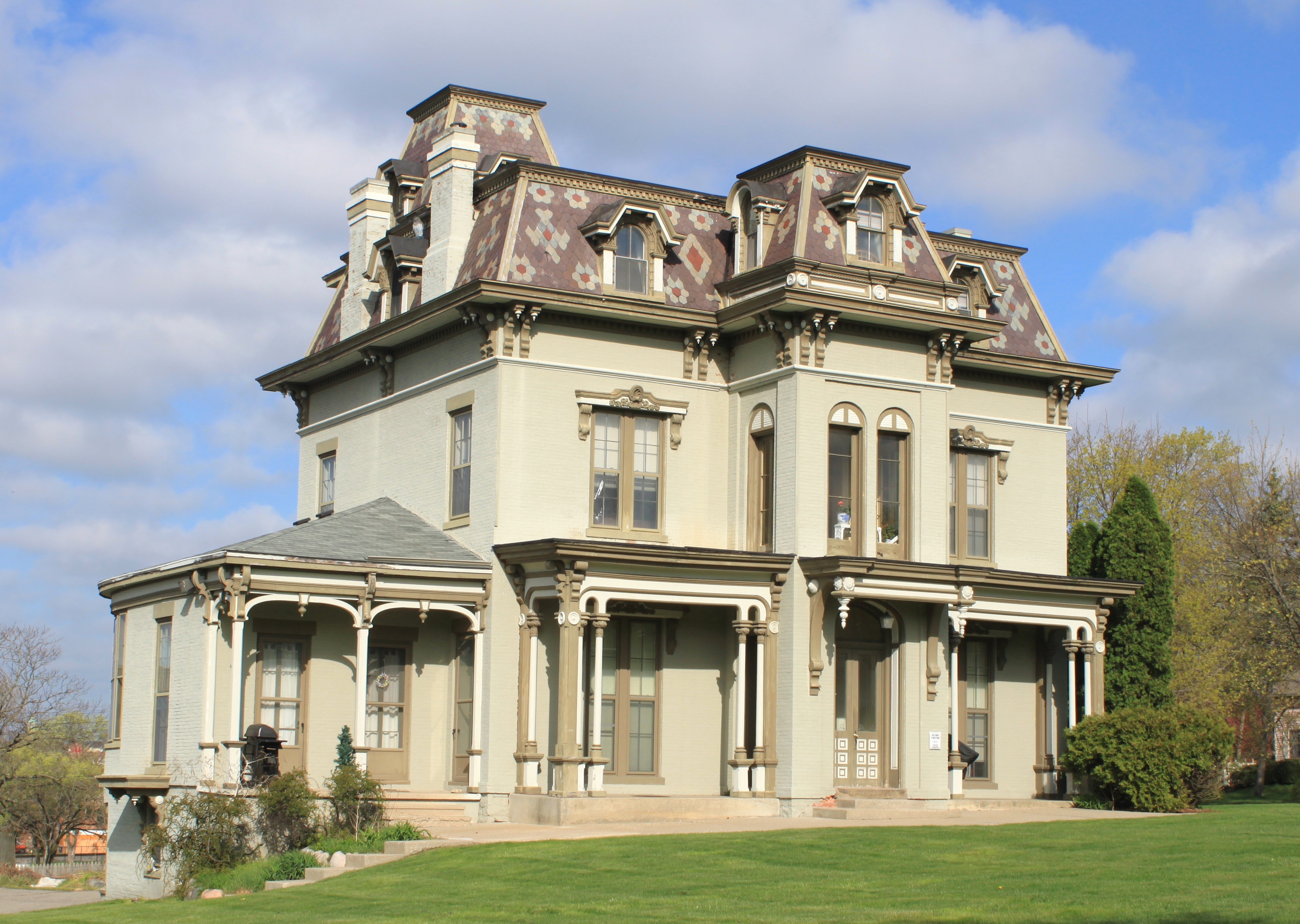 File gilbert mansion historic structure ypsilanti michigan jpg for Victorian houses for sale in arizona