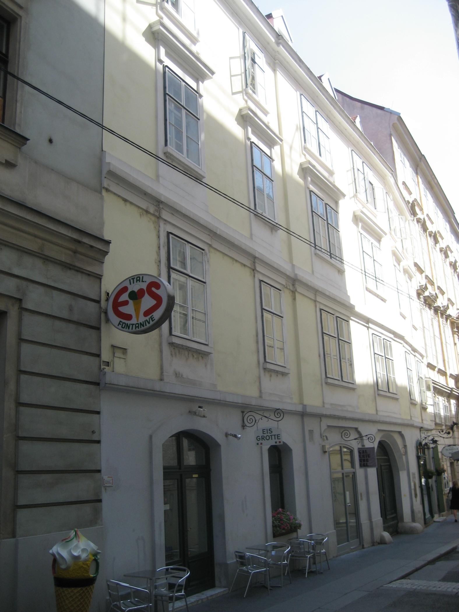 Haus-Himmelpfortgasse 11-01.jpg