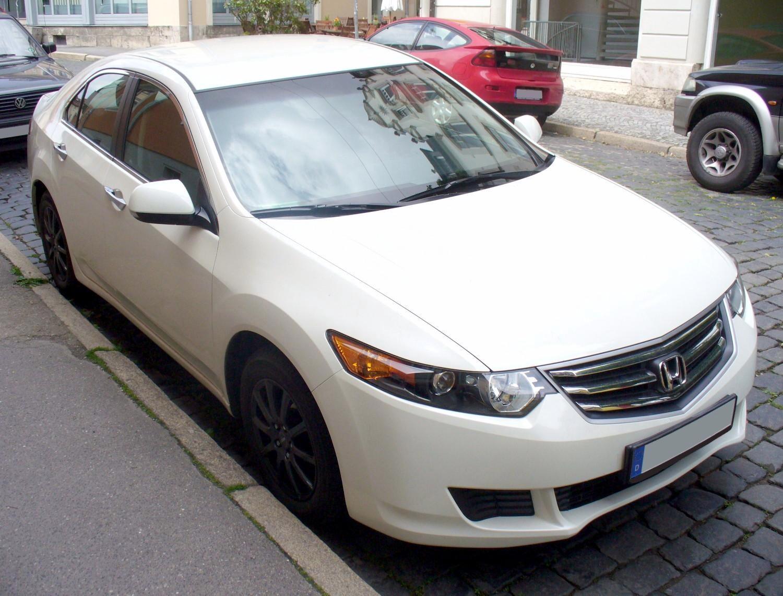 File honda accord comfort 2 0 premiumwhite jpg wikimedia for Honda accord 2 0