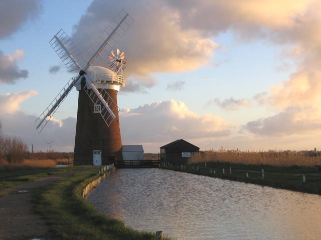 Horsey Drainage Mill, Horsey, Norfolk - geograph.org.uk - 319597.jpg