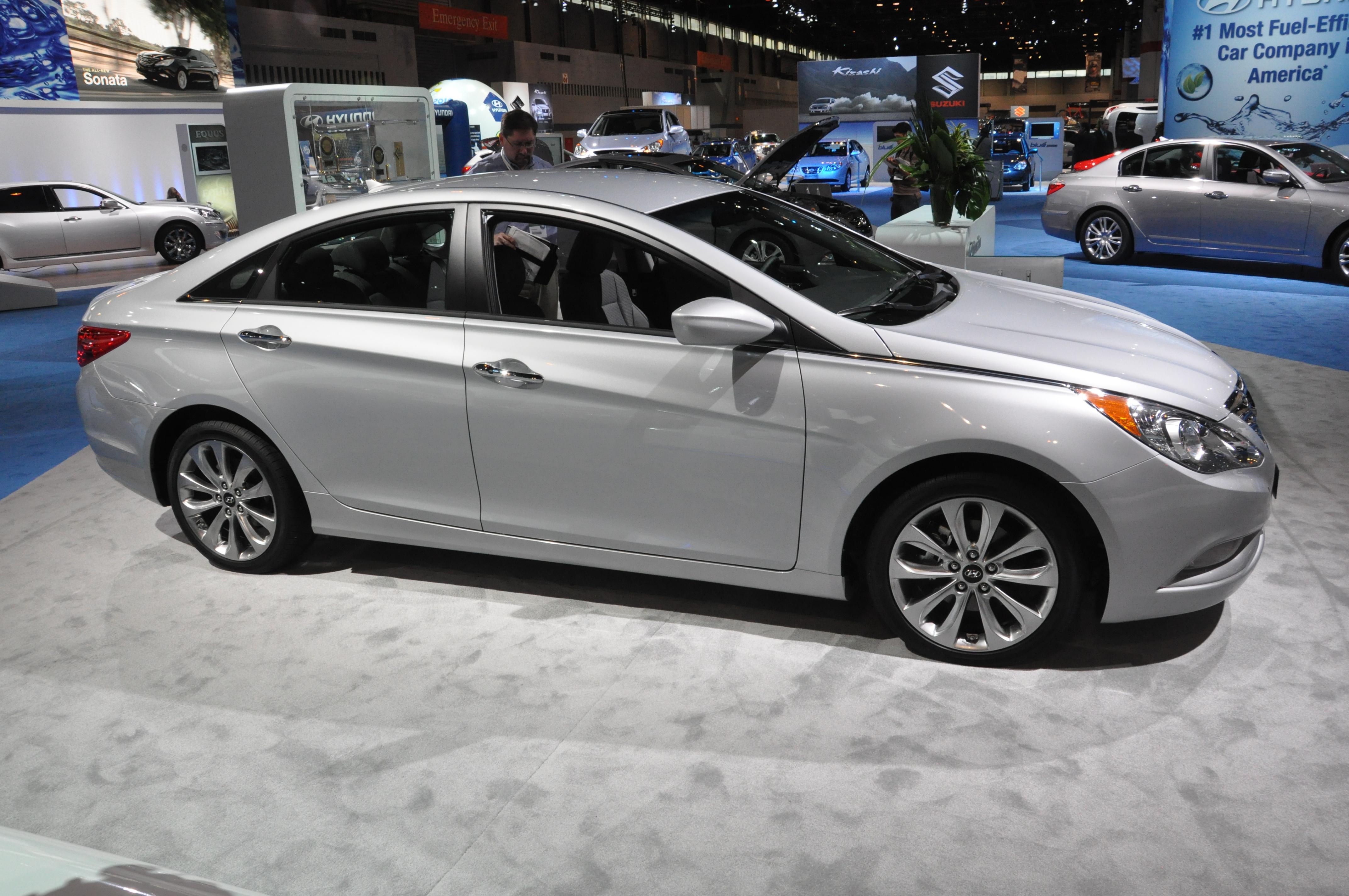Hyundai Sonata Pearl White Touchup Paint