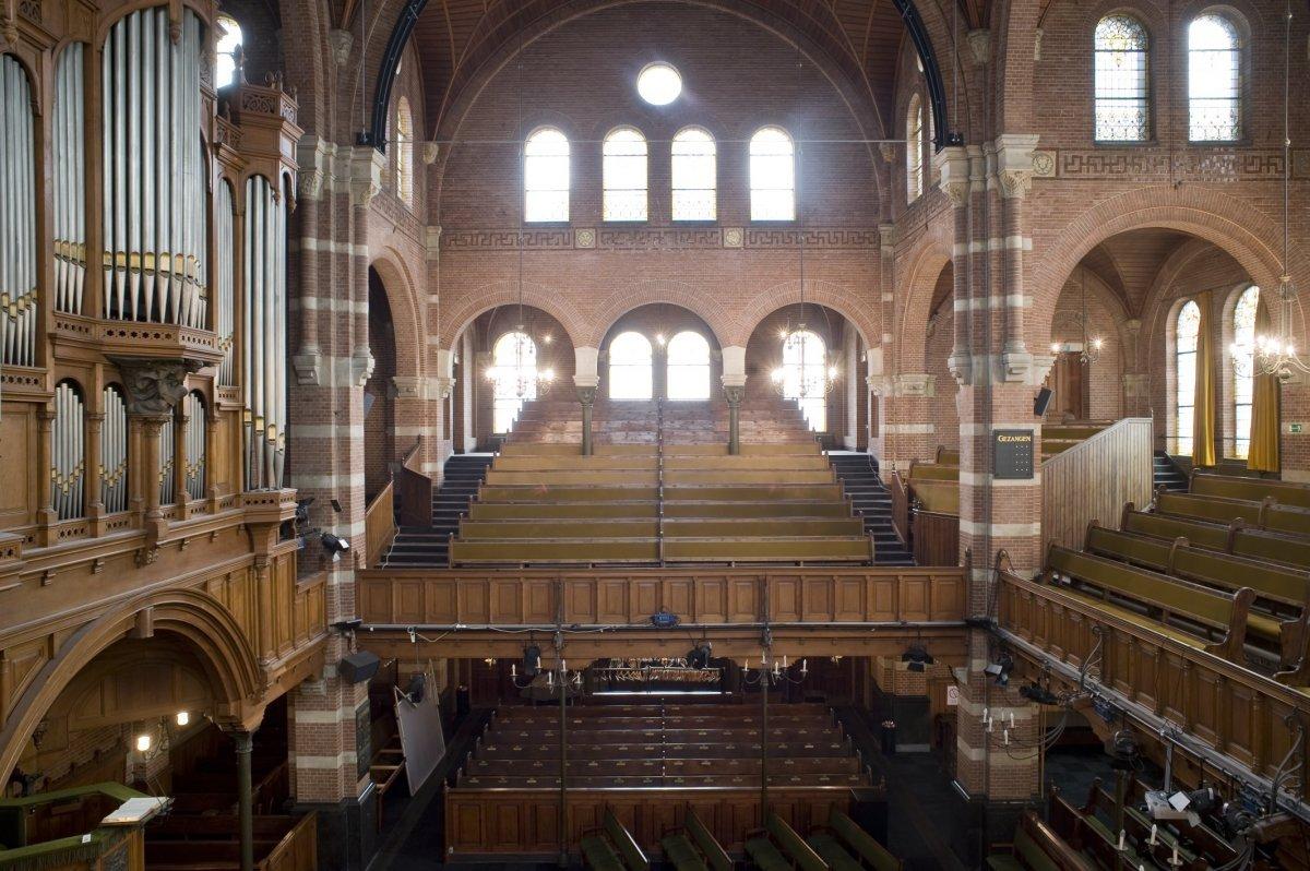 File interieur overzicht van het balkon met links het orgel rotterdam 20426561 - Whirlpool van het interieur ...