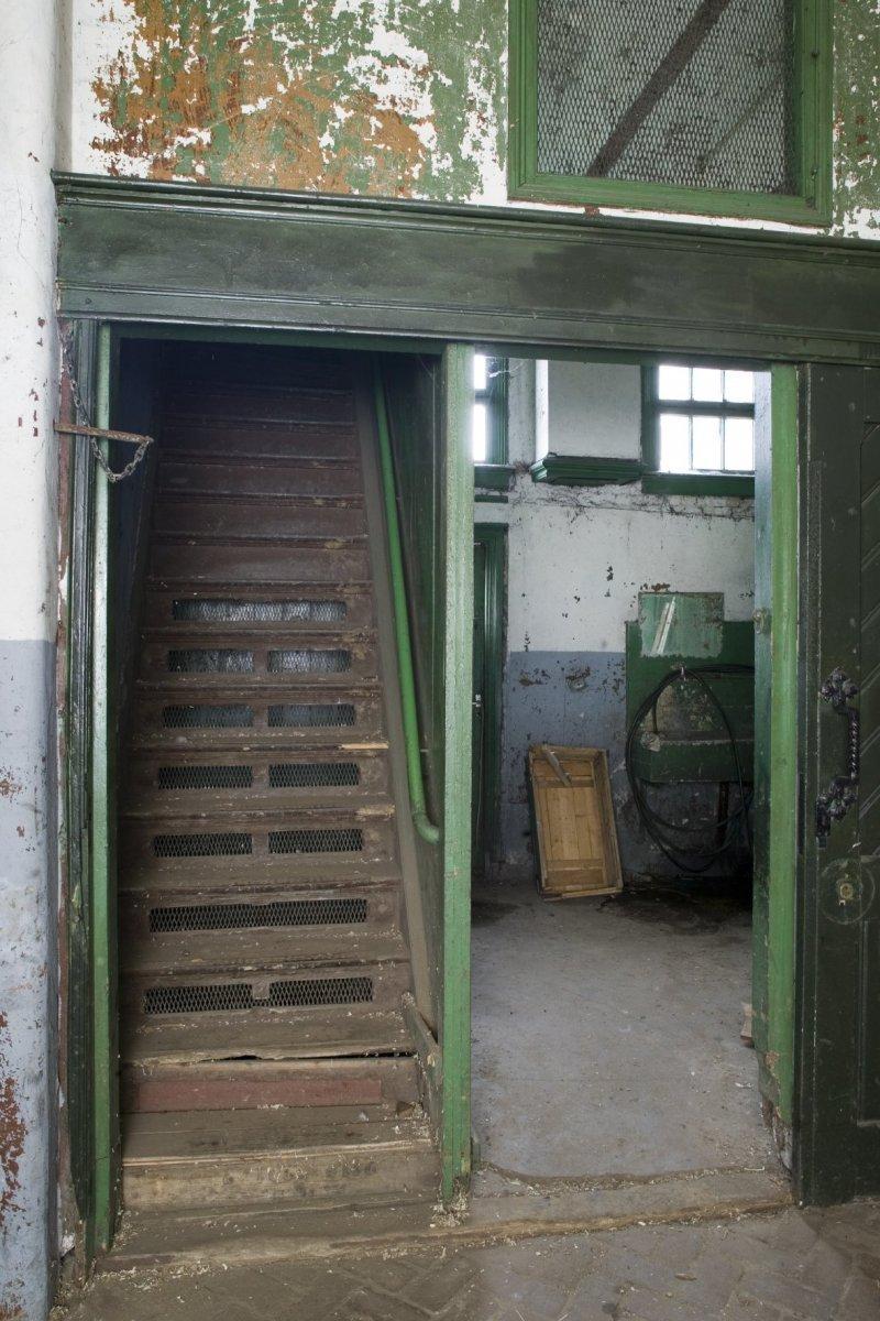 File interieur trap naar de zolder in de kleine stal steenwijk 20396610 - Interieur trap ...