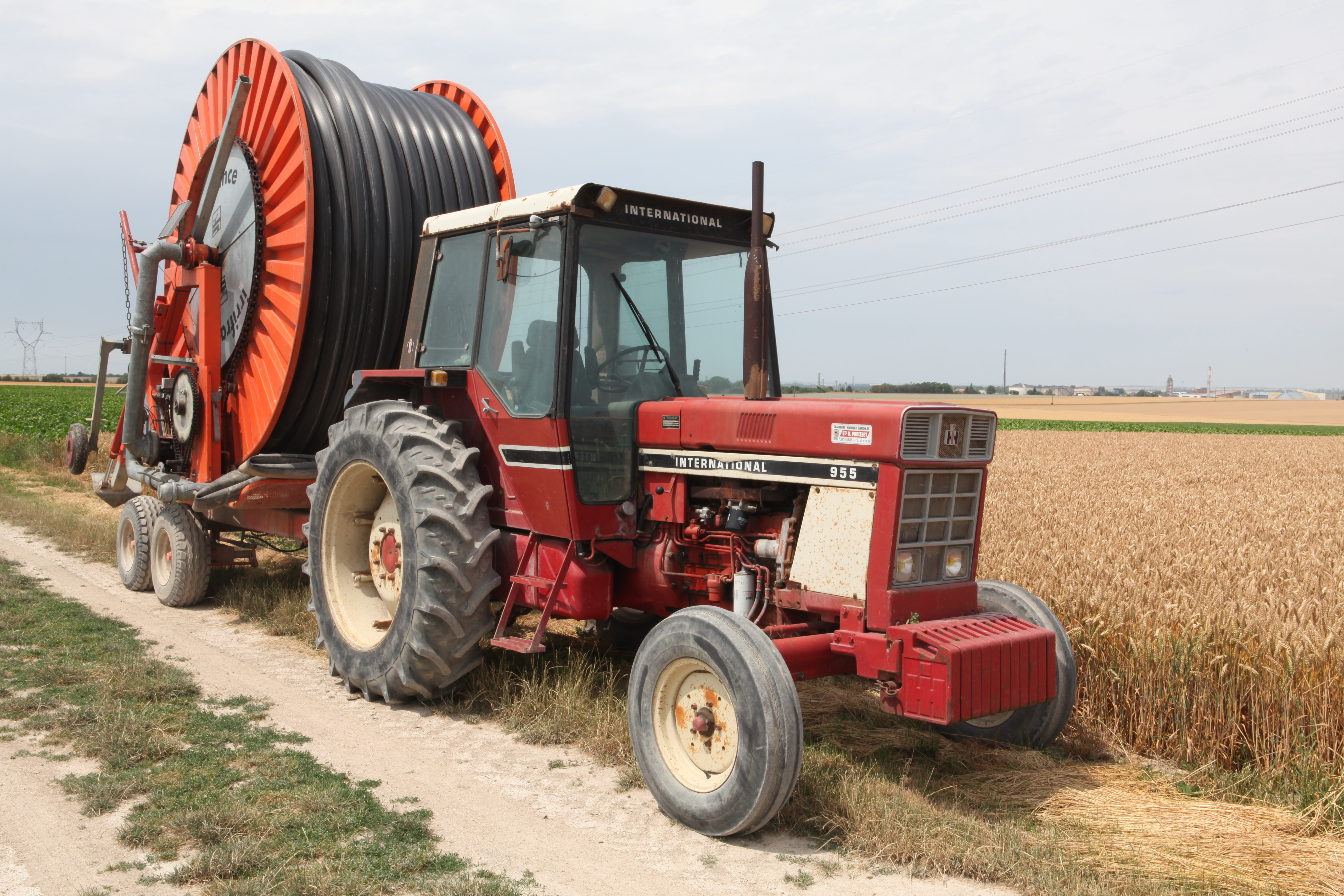 File:International Harvester 955 (1).jpg