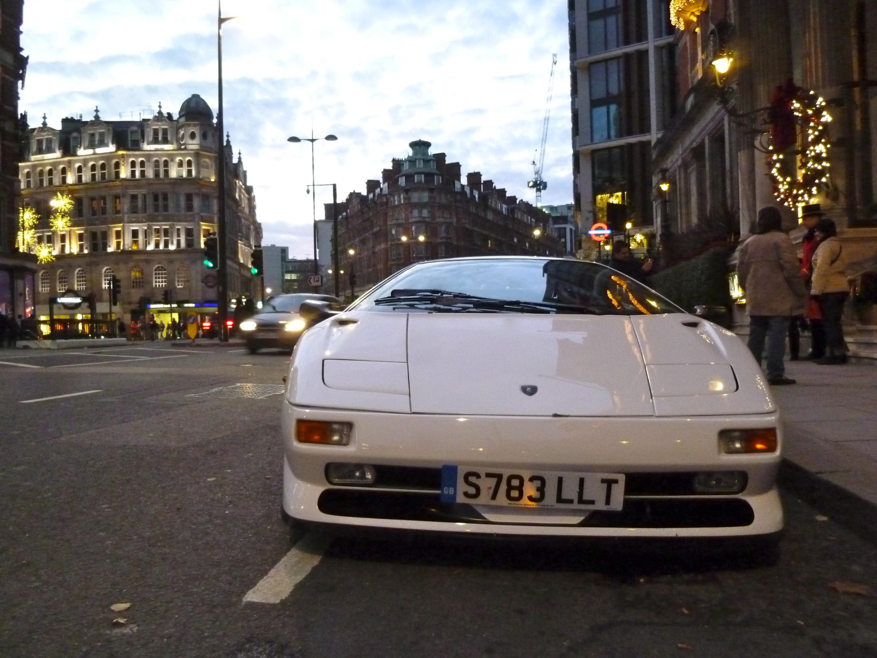 File Lamborghini Diablo White 6648954293 Jpg Wikimedia Commons