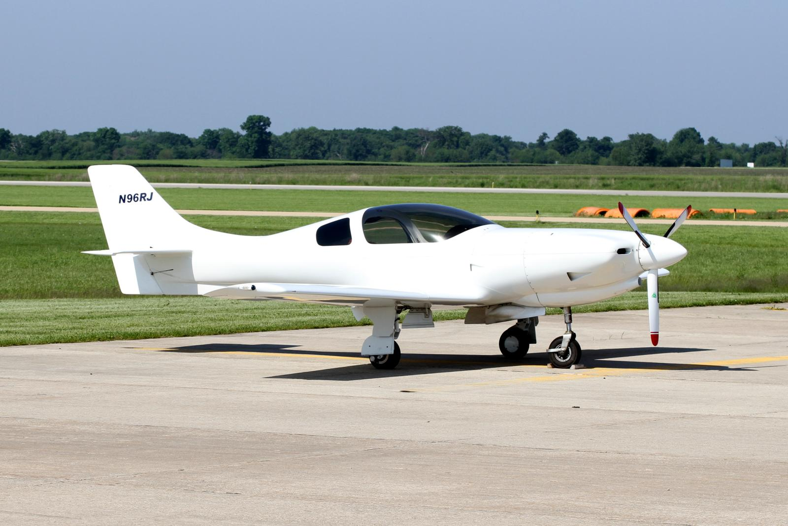 File Lancair 235 N96rj Jpg Wikimedia Commons