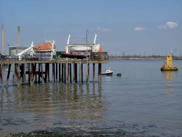 Lifeboat Jetty - geograph.org.uk - 48167