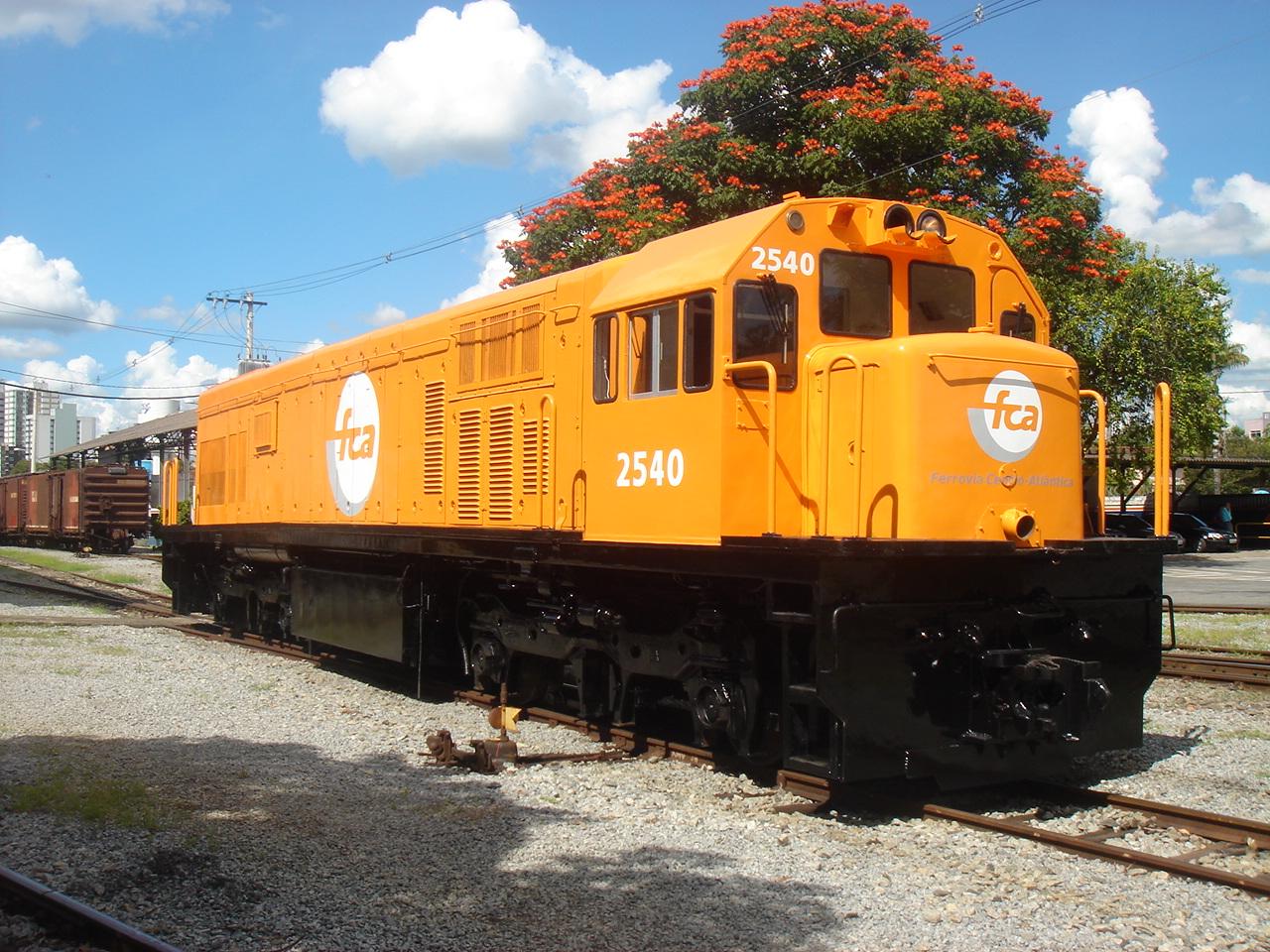 Fases de pintura de locomotivas Locomotiva_FCA