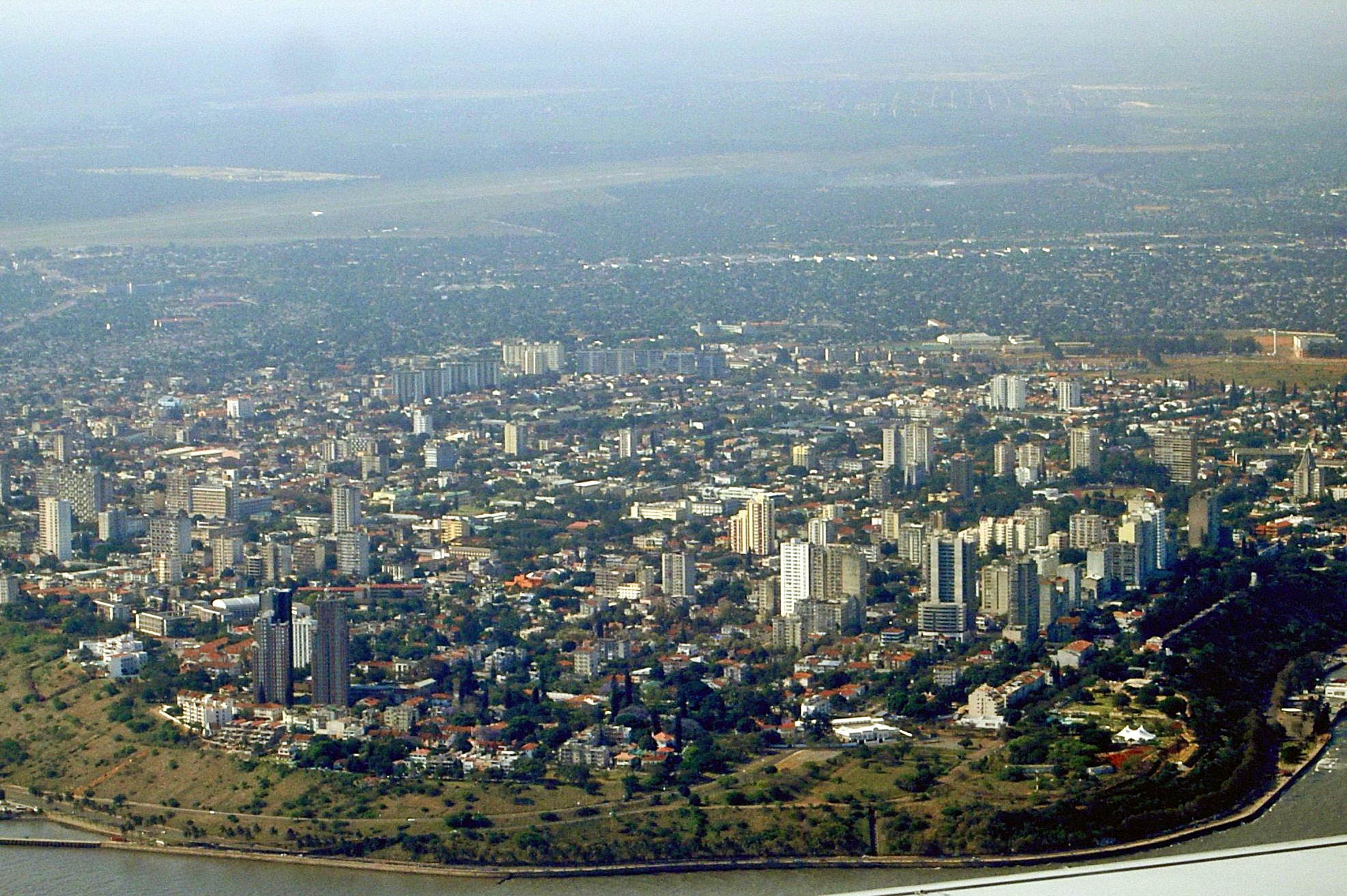 File:Maputo seen from southeast - October 2006.jpg - Wikimedia Commons