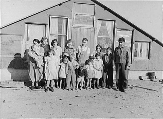 Mennonite family in Montana 1937.jpg