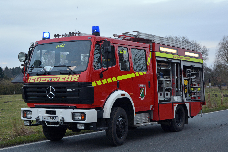 File:Mercedes-Benz 1224 AF LF 16-12 02.jpg