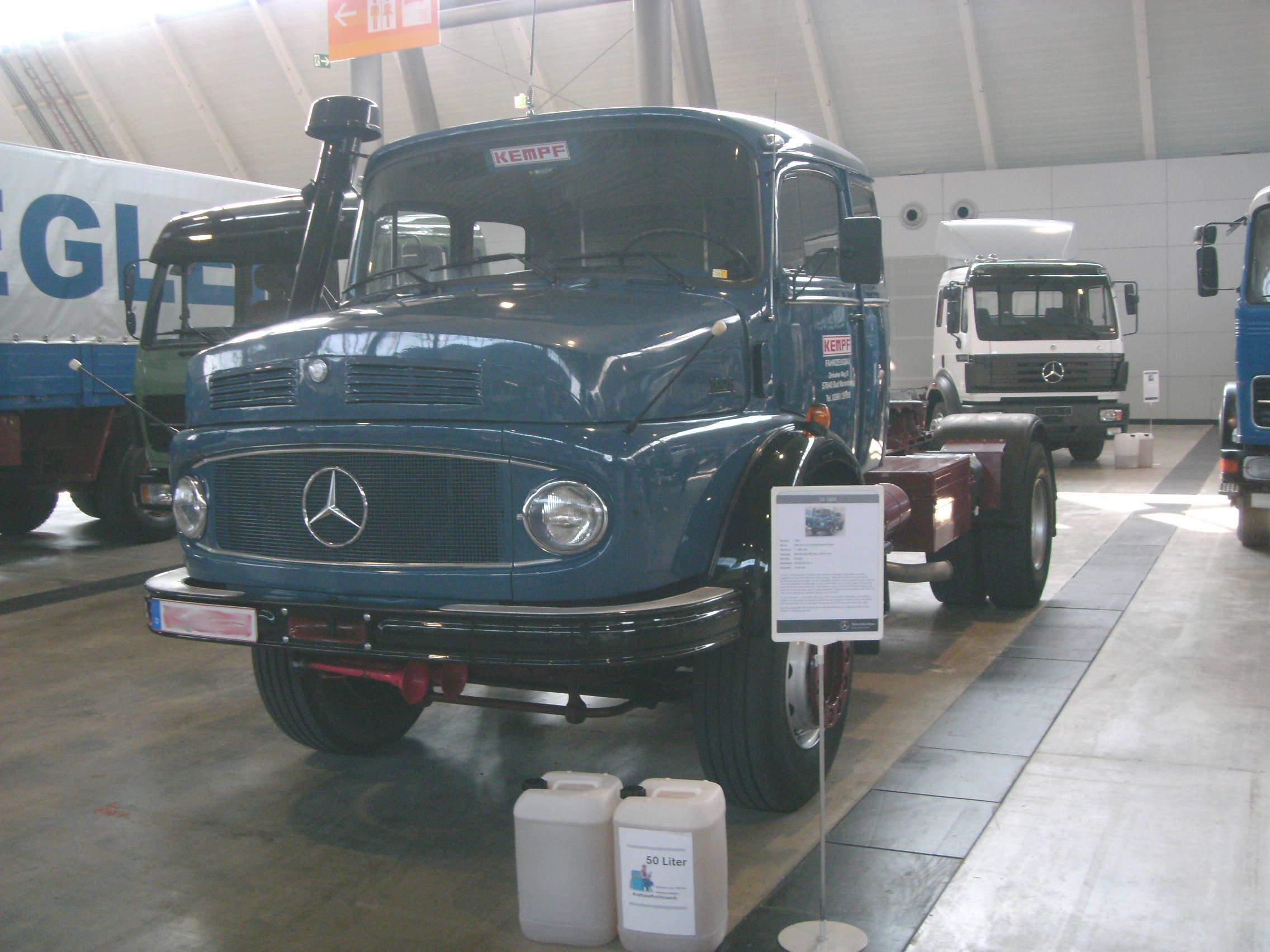 Datei:Mercedes-Benz LS1628 (1980, 280 PS).jpg – Wikipedia